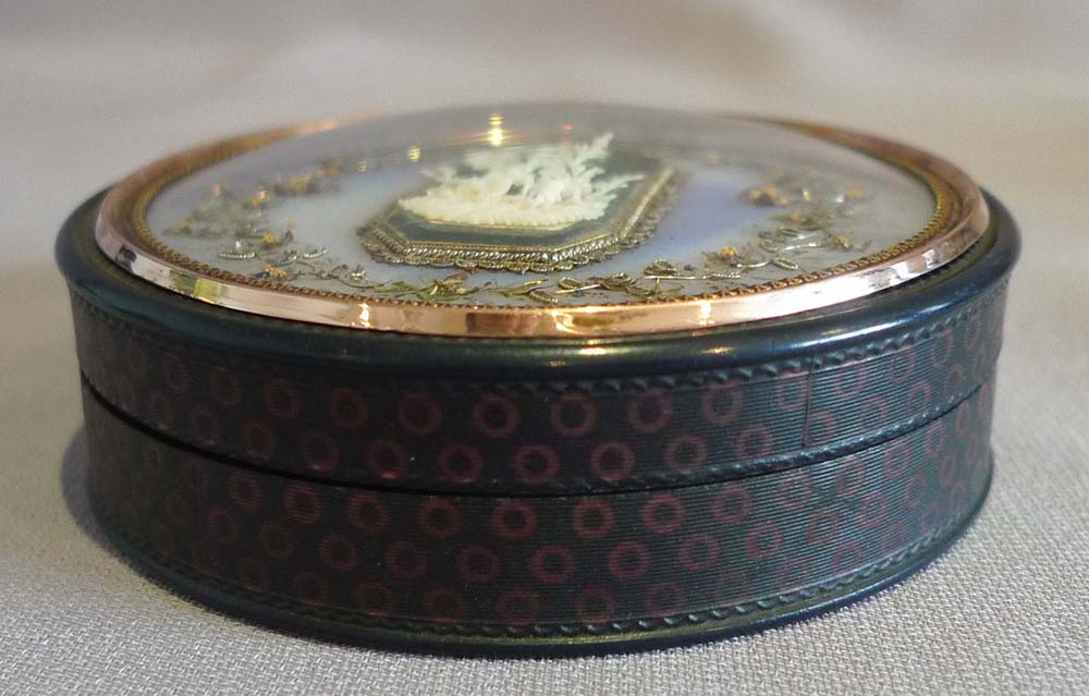 Antique French tortoiseshell, gold and ivory snuff box.