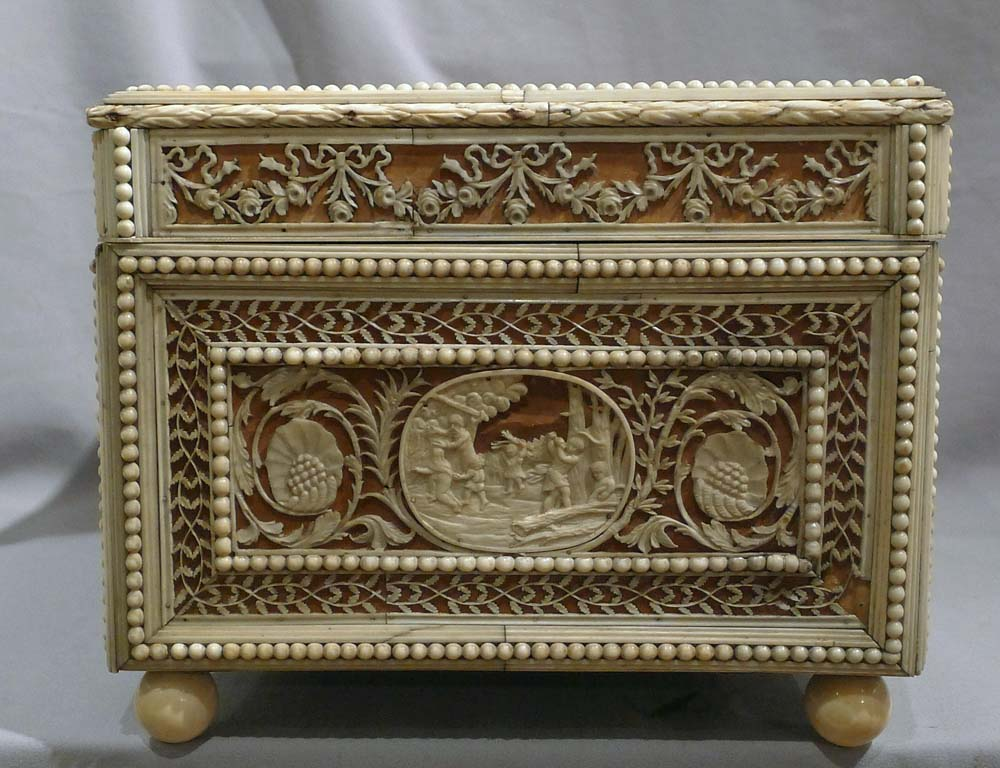 Antique museum quality 18th century  Russian casket of impressive size.