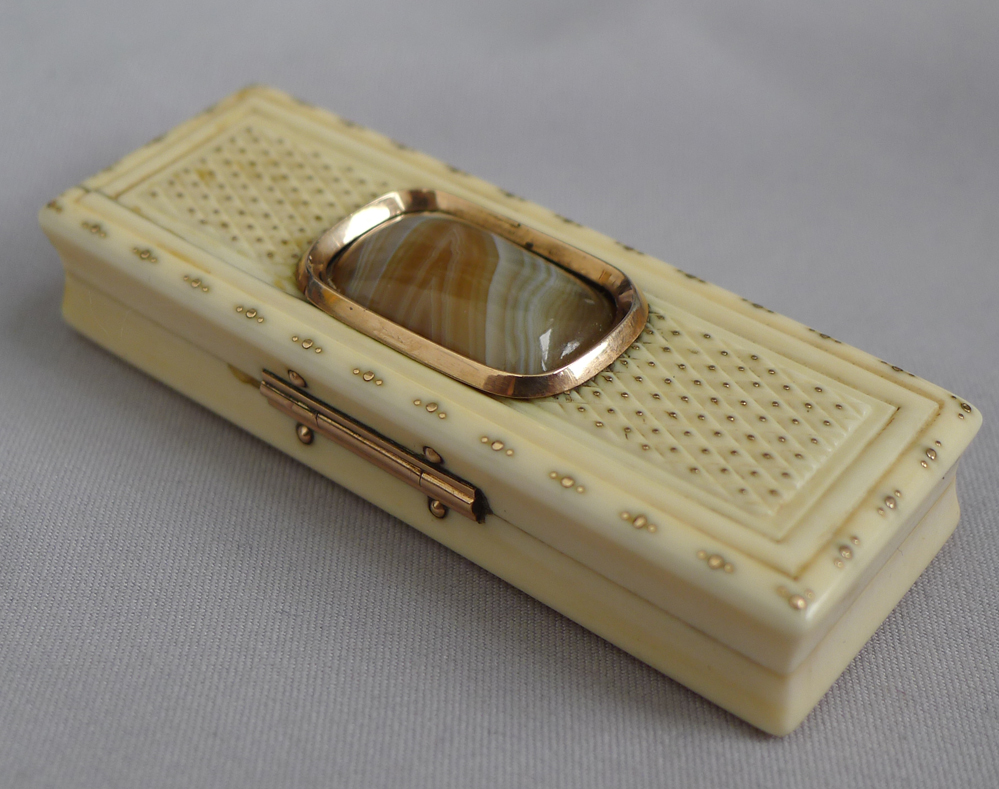 English Antique Geroge III ivory and gold toothpick holder with Agate inset
