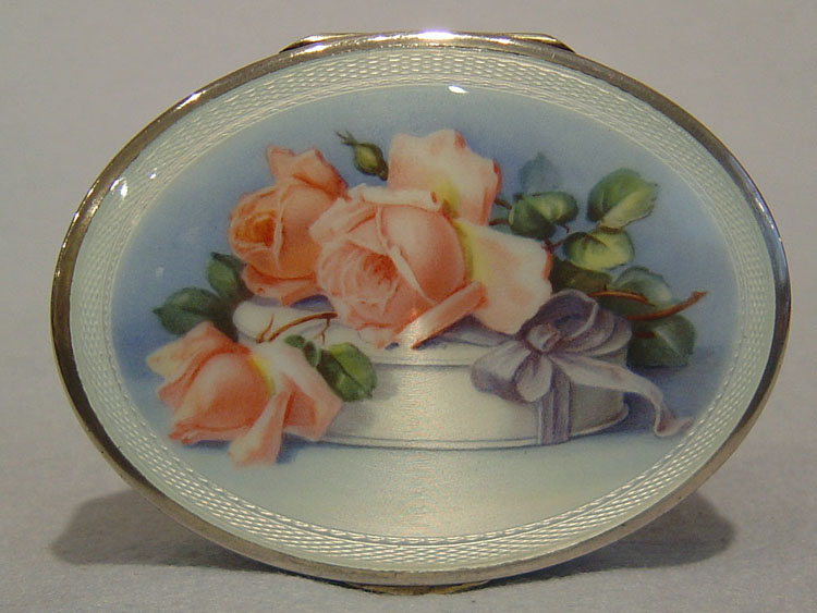 Silver and guilloche enamel box with Roses.