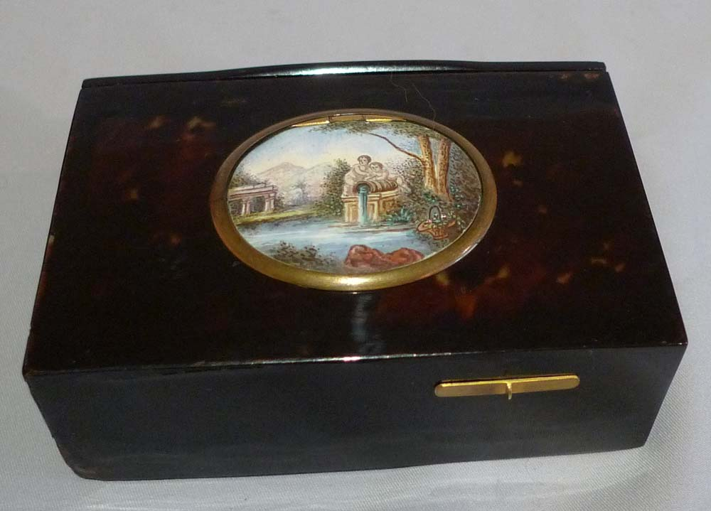 Antique singing bird box in tortoiseshell, silver gilt and enamel by Bontems.