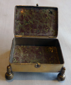 Silver and split agate pill box or casket, Austro Hungarian.
