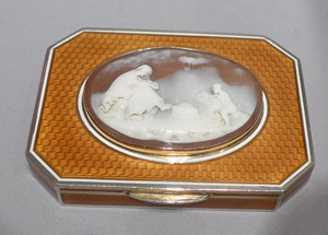 Silver and guilloche enamel snuff box with fine neo-classical cameo.