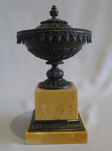 Antique patinated bronze and Sienna marble pastille burner
