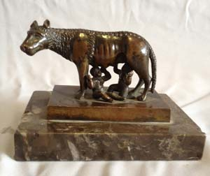 Antique Grand Tour bronze of Wolf with Romulus and Remus.