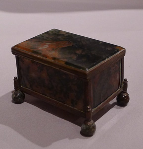 Antique Austro-Hungarian casket in gilt bronze and reddish hued split agate.