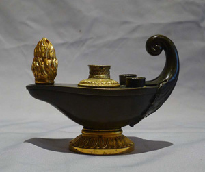 Antique English Regency inkwell formed as an oil lamp in patinated bronze and ormolu