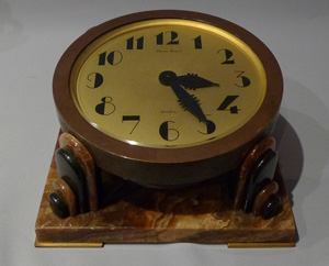 Art Deco bronze and onyx desk clock