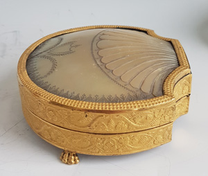 Palais Royal Engraved mother-of-pearl and ormolu sewing Necessaire