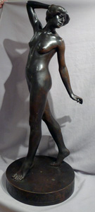 Fabulous early 20th century bronze of naked woman signed G.Schliepstein.
