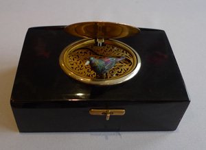 Singing bird box, fusee, in tortoiseshell and enamel by Bruguier