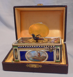 Singing bird box in silver and hand painted enamel, Griesbaum No 7 in original case.