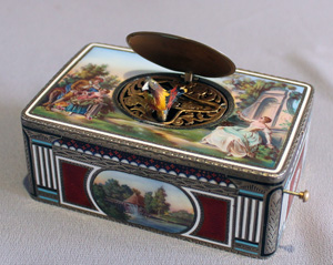 Singing bird box automaton in silver and enamel by Griesbaum..