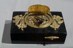 Antique singing bird box automaton in ormolu mounted tortoiseshell.