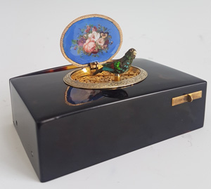Charles Bruguier fusee singing bird box in mottled Tortoiseshell, Gold, Silver and Enamel