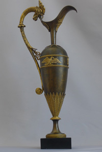 Antique Ravrio French Empire urn in patinated bronze and ormolu in form of classical wine ewer